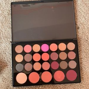 Eyeshadow and blush palette